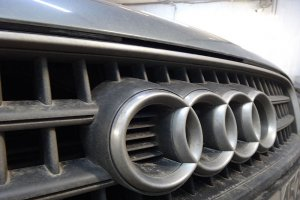 Audi Q7, хромированные детали до химчистки