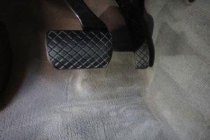 Audi Q7, пол после химчистки