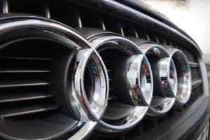 Audi Q7, хромированные детали посел химчистки