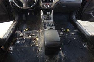 Subaru Forester разборка салона перед химчисткой